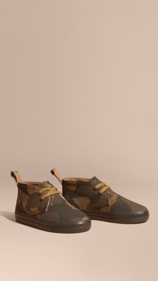 Camouflage Print Suede Lace-up Desert Boots