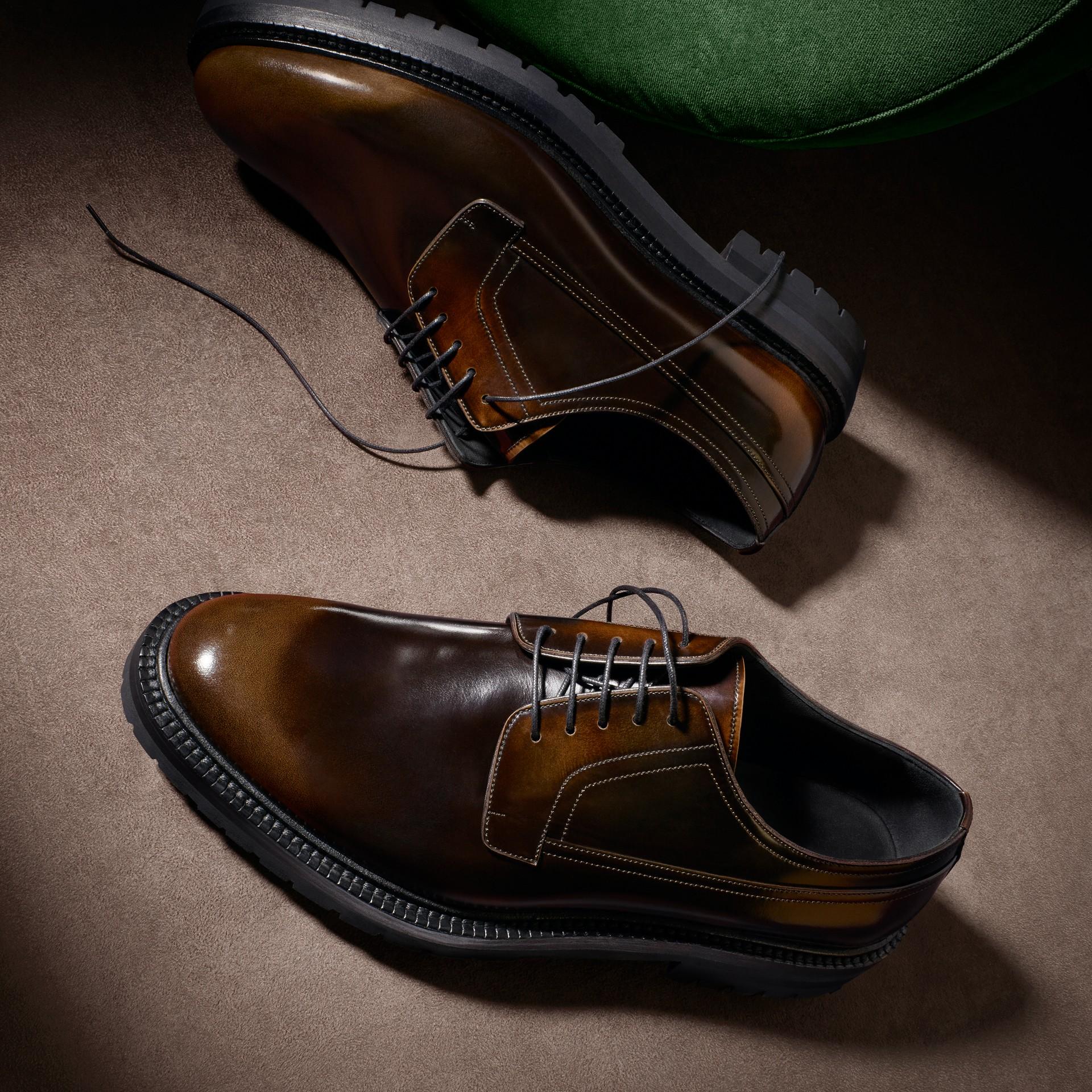 Chocolat amer Chaussures de style derby en cuir bruni Chocolat Amer - photo de la galerie 6