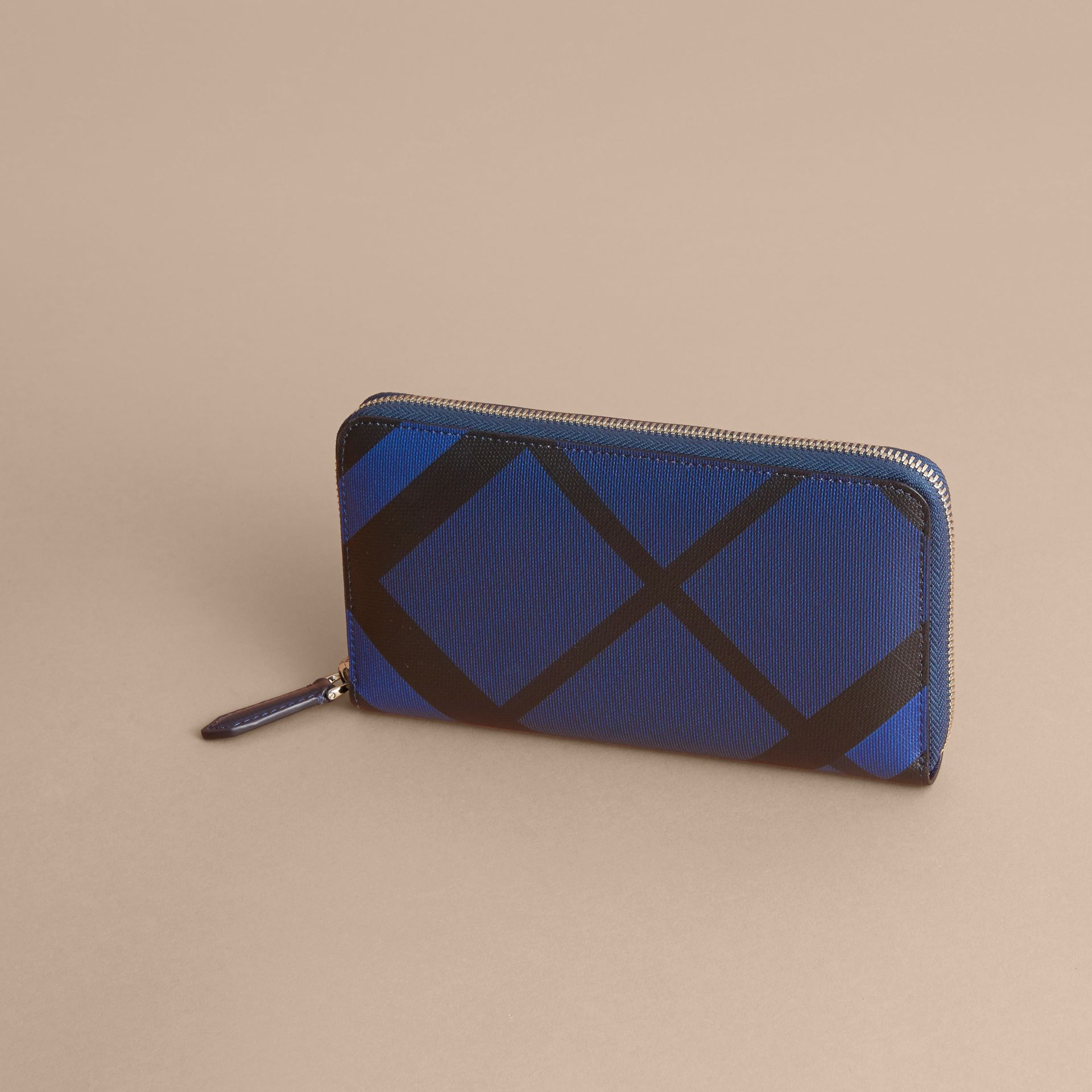 London Check Ziparound Wallet in Bright Lapis - Men | Burberry Singapore - gallery image 4