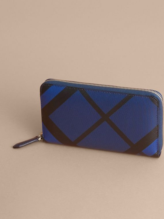 London Check Ziparound Wallet in Bright Lapis - Men | Burberry Singapore - cell image 3
