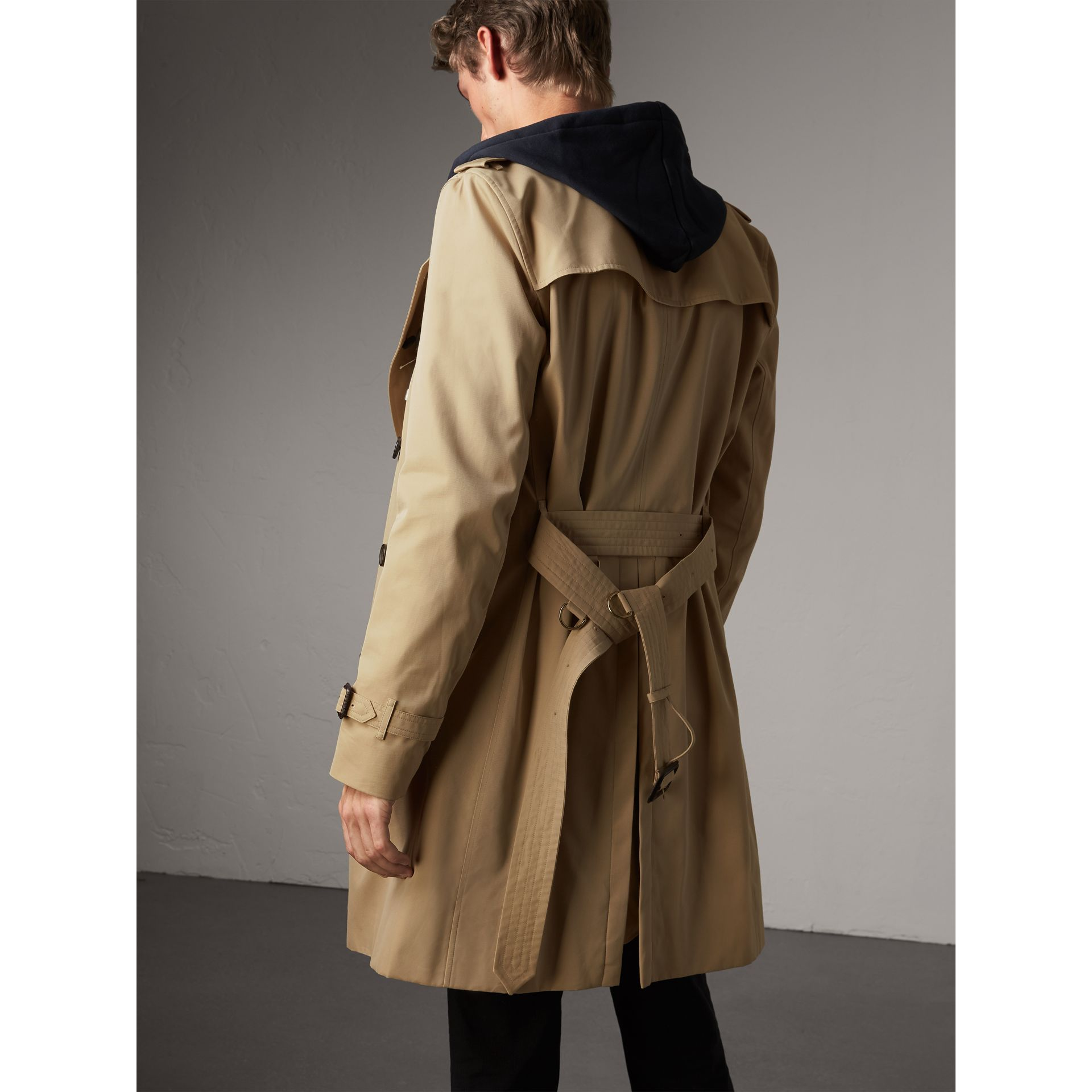 The Kensington – Long Trench Coat in Honey - Men | Burberry Australia - gallery image 3