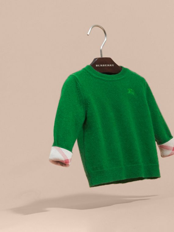 Check Detail Cashmere Sweater in Bright Pigment Green - cell image 2