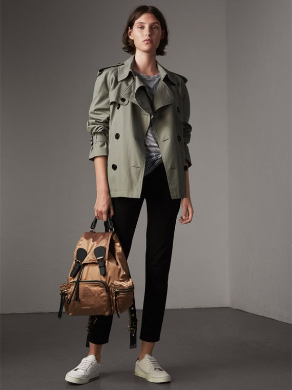 Sac The Rucksack moyen en nylon bicolore et cuir (Or/noir) - Femme | Burberry - cell image 2