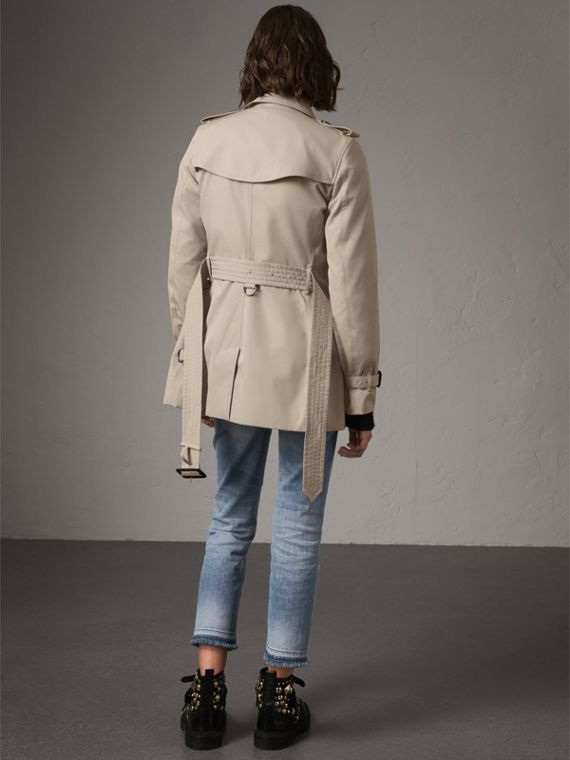 The Kensington – Short Heritage Trench Coat in Stone - Women | Burberry - cell image 2