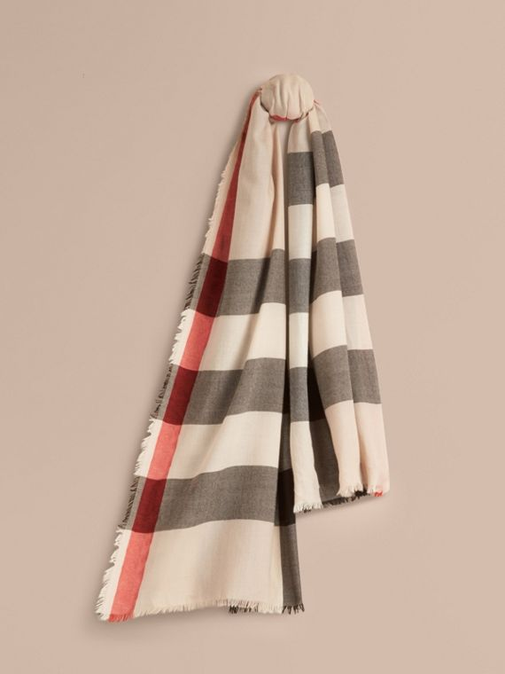 The Lightweight Cashmere Scarf in Check in Stone