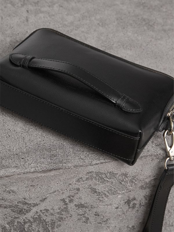 London Leather Pouch in Black | Burberry Hong Kong - cell image 3