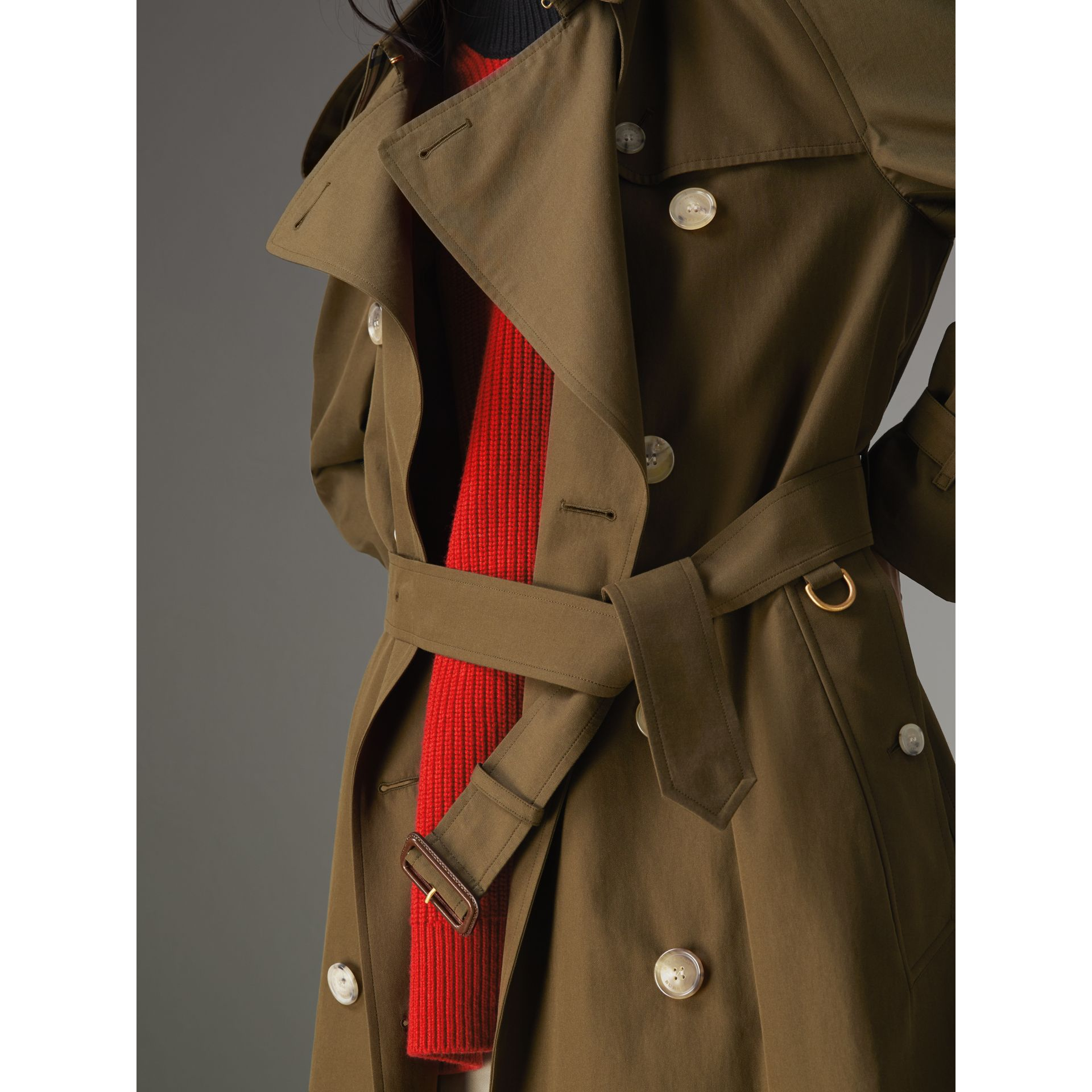 The Westminster Heritage Trench Coat in Dark Military Khaki - Women | Burberry - gallery image 4