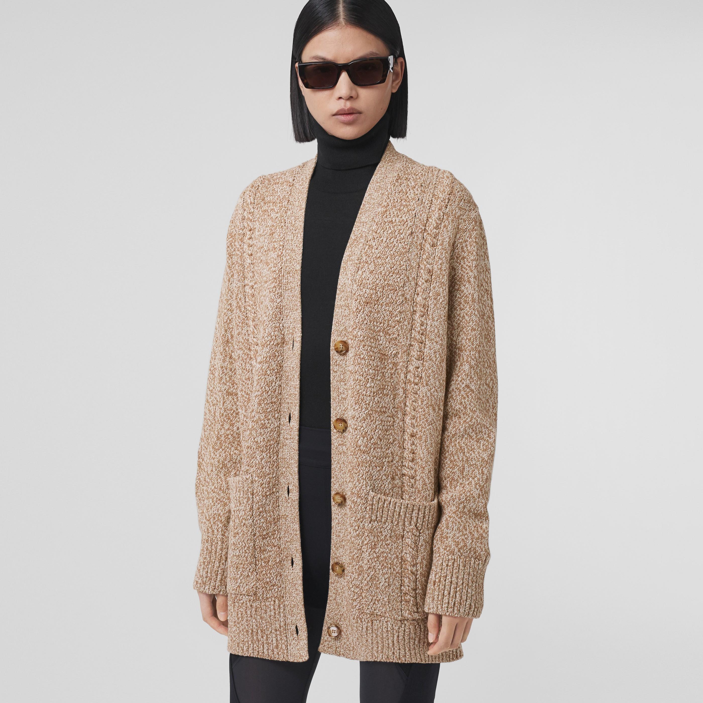 Cardigan oversize in lana e cotone con lavorazione a trecce e stampa Horseferry (Cammello) - Donna   Burberry - 1