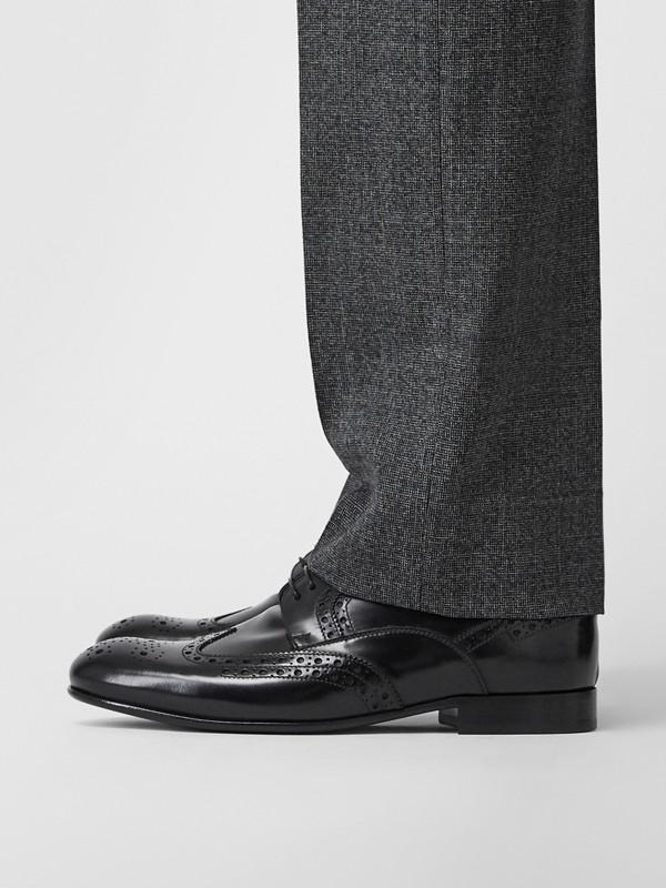 Sapatos Derby de couro com detalhe brogue (Preto) - Homens | Burberry - cell image 2