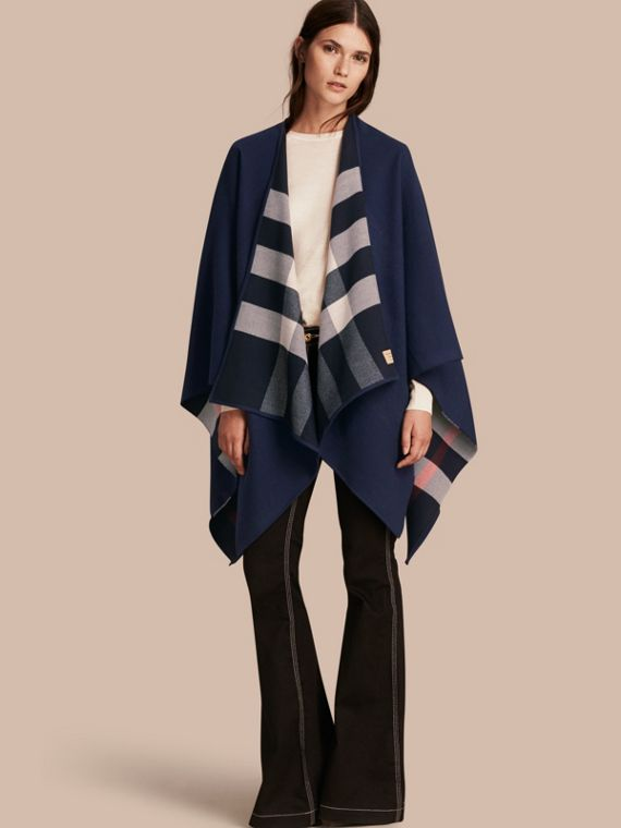 Poncho double face in lana Merino con motivo check Navy