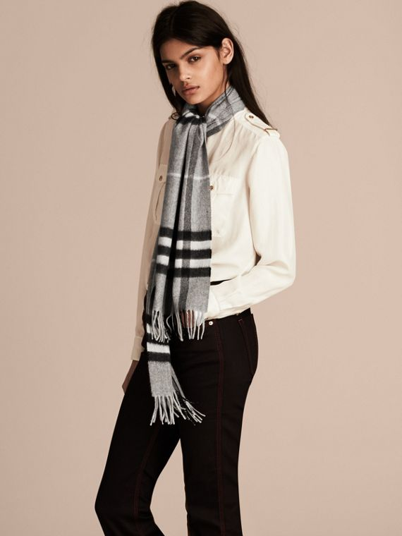 Pale grey The Classic Cashmere Scarf in Check Pale Grey - cell image 2