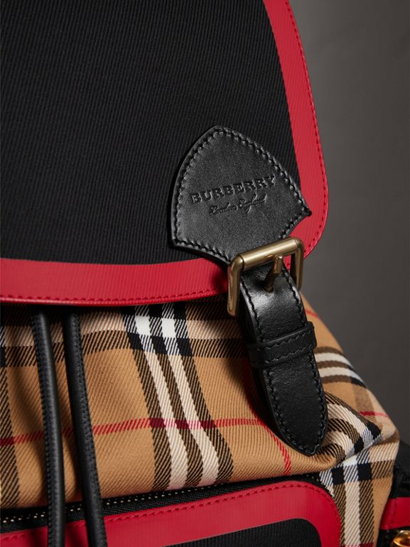 Grand sac The Rucksack en cuir et toile Vintage check (Jaune Antique) | Burberry Canada - cell image 1