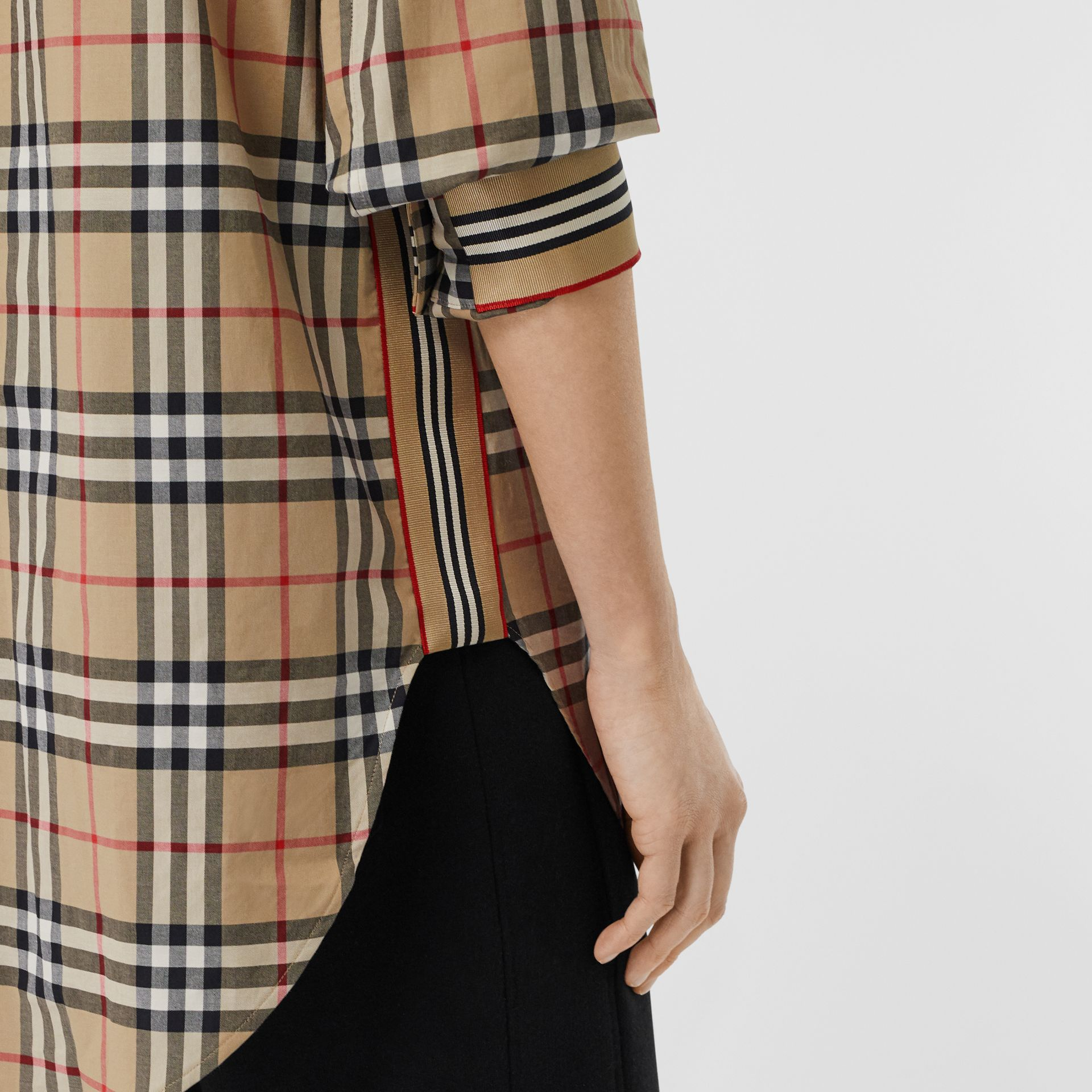 Vintage Check Stretch Cotton Oversized Shirt in Archive Beige - Women | Burberry - gallery image 4