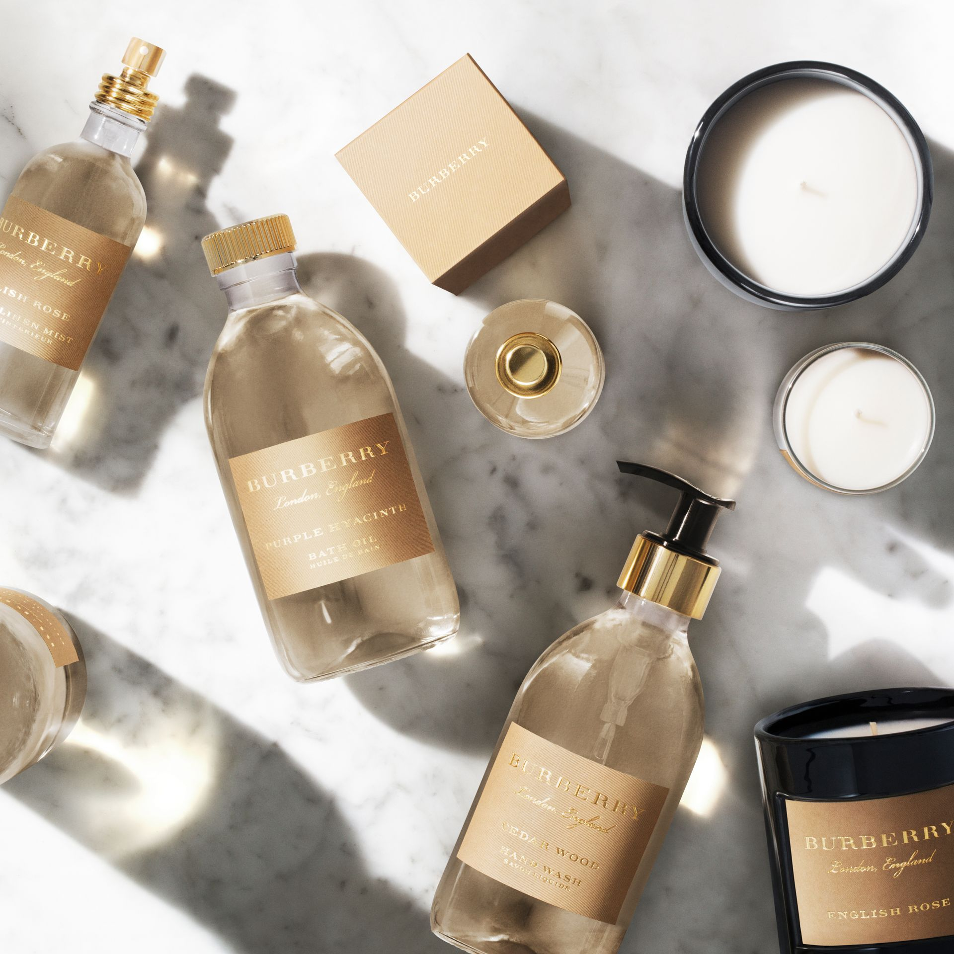 Huile de bain - English Rose | Burberry - photo de la galerie 1