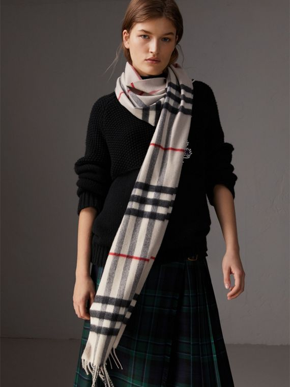 The Classic Check Cashmere Scarf in Stone | Burberry United Kingdom - cell image 2