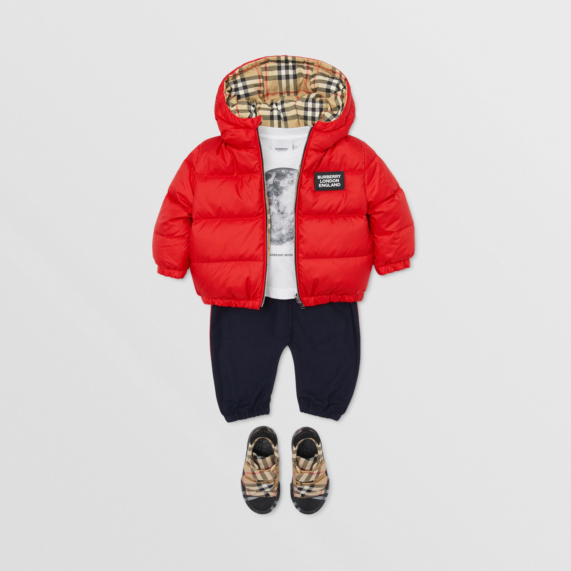 Reversible Vintage Check Down-filled Puffer Jacket in Bright Red - Children | Burberry United Kingdom - gallery image 3