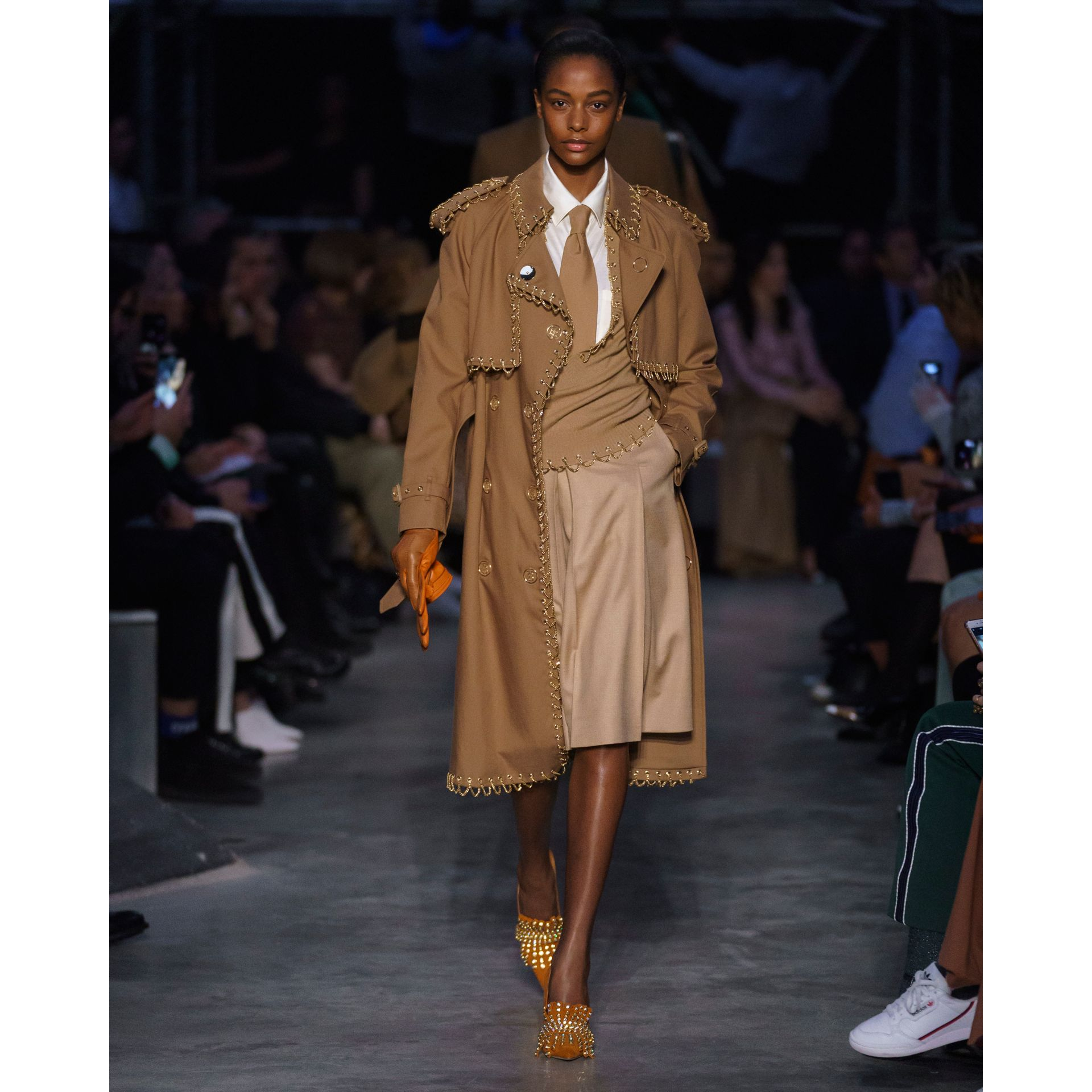 Chain Detail Cotton Gabardine Trench Coat in Warm Walnut - Women | Burberry Singapore - gallery image 7