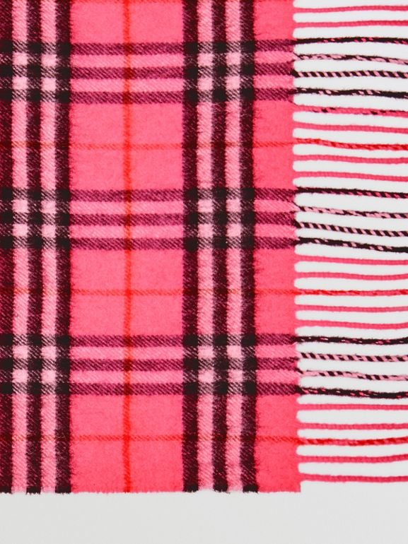 The Classic Vintage Check Cashmere Scarf in Bright Pink | Burberry - cell image 1