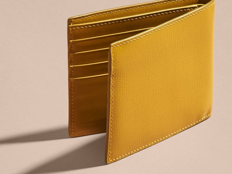 London Leather International Bifold Wallet in Larch Yellow - cell image 1