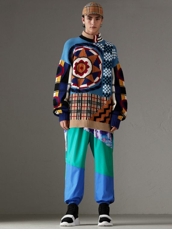 Wool Cashmere Cotton Graphic Intarsia Sweater in Multicolour
