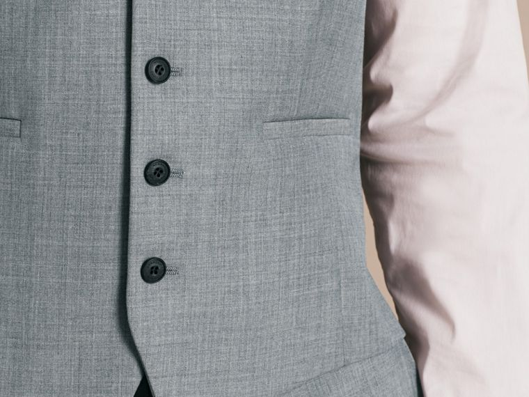 Hellgrau meliert Modern geschnittener Waistcoat aus Wolle mit Satinpanel - cell image 4