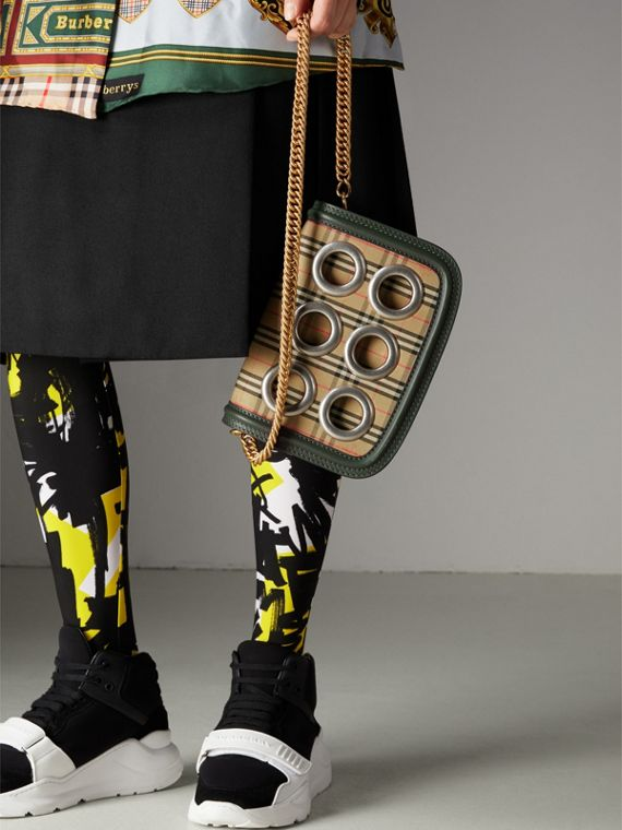 The 1983 Check Link Bag with Grommet Detail in Dark Forest Green - Women | Burberry Australia - cell image 3