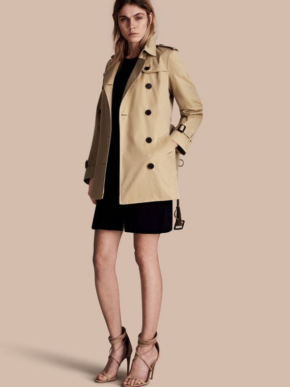 The Kensington – Short Heritage Trench Coat Honey