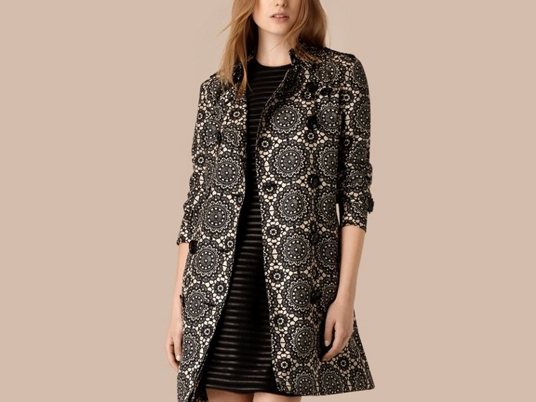 Pietra/nero Trench coat sfoderato in seta con stampa effetto pizzo - cell image 2