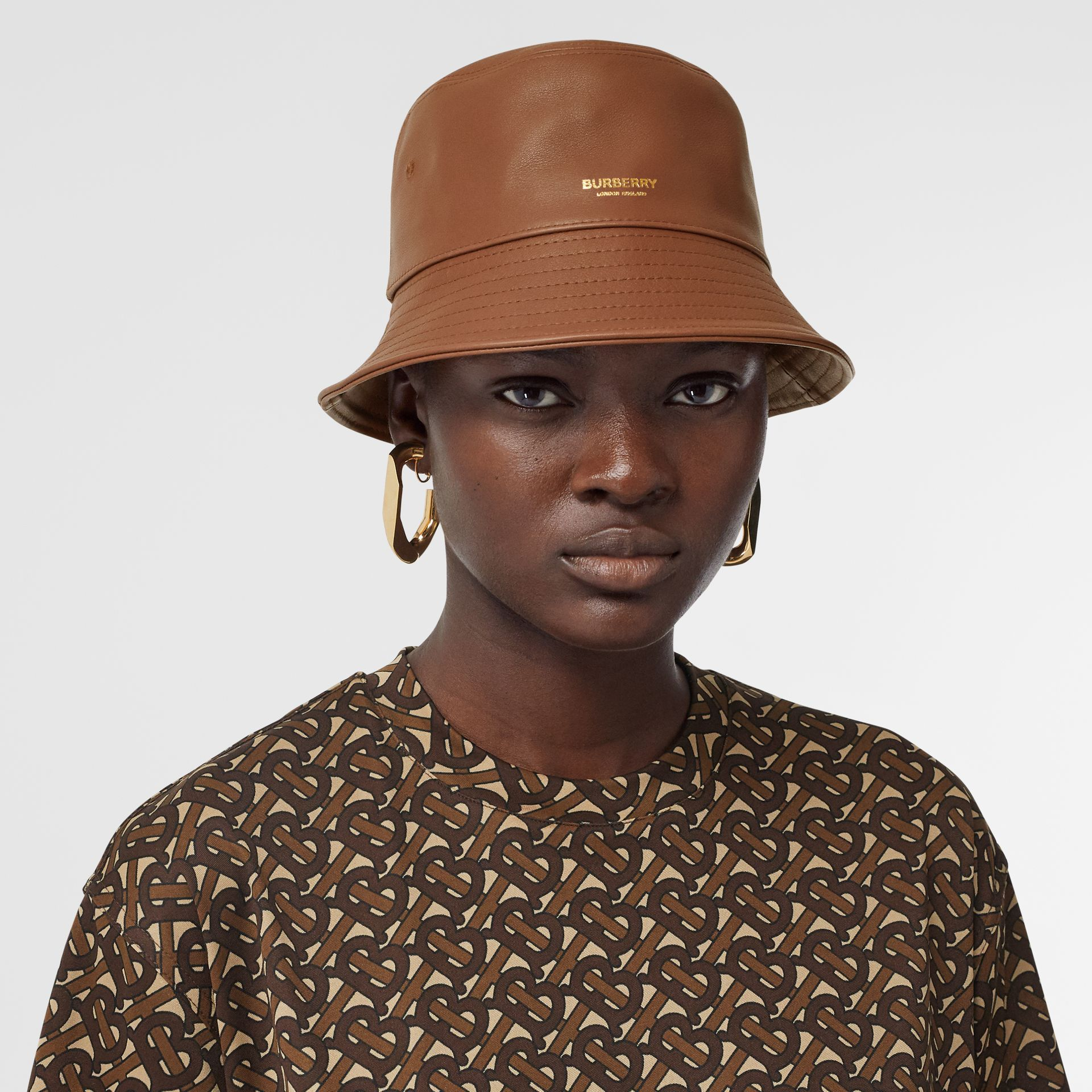 Logo Detail Leather Bucket Hat in Tan | Burberry United States - gallery image 2