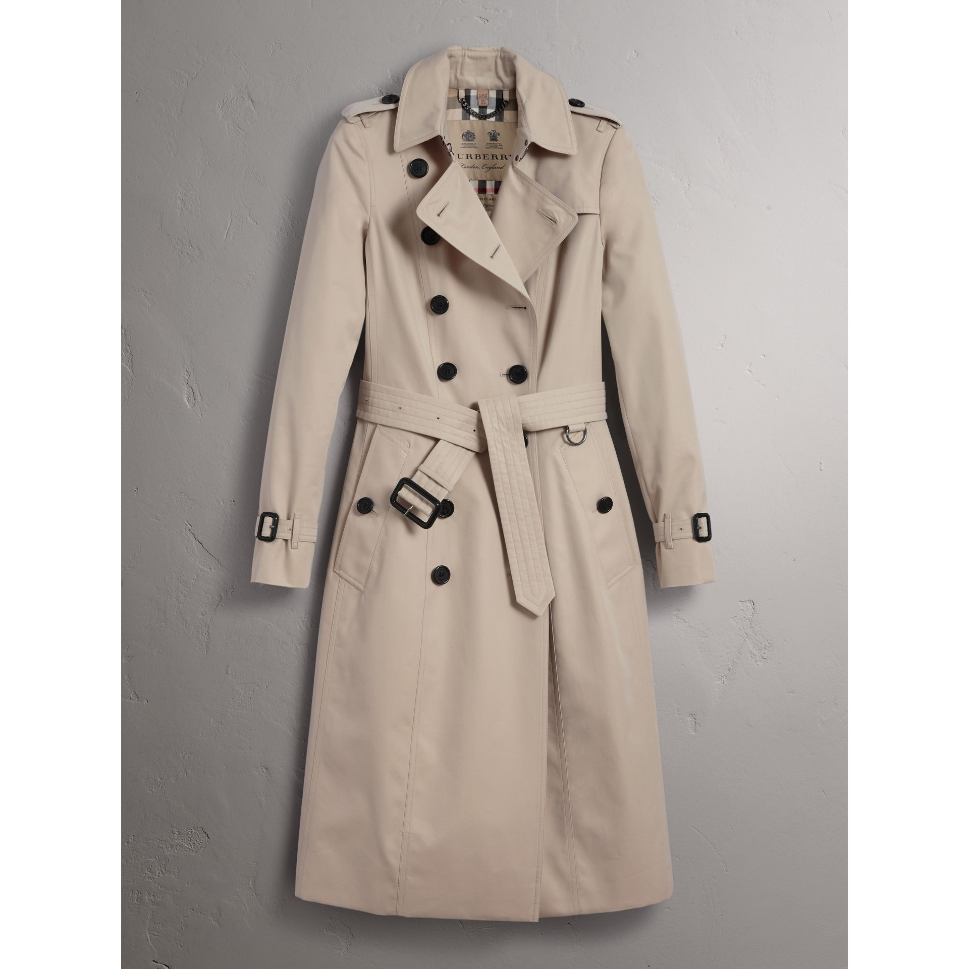 The Chelsea – Extra-long Trench Coat in Stone - Women | Burberry - gallery image 4