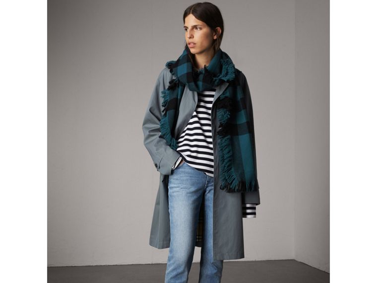 Fringed Check Wool Scarf in Steel Blue | Burberry United Kingdom - cell image 2