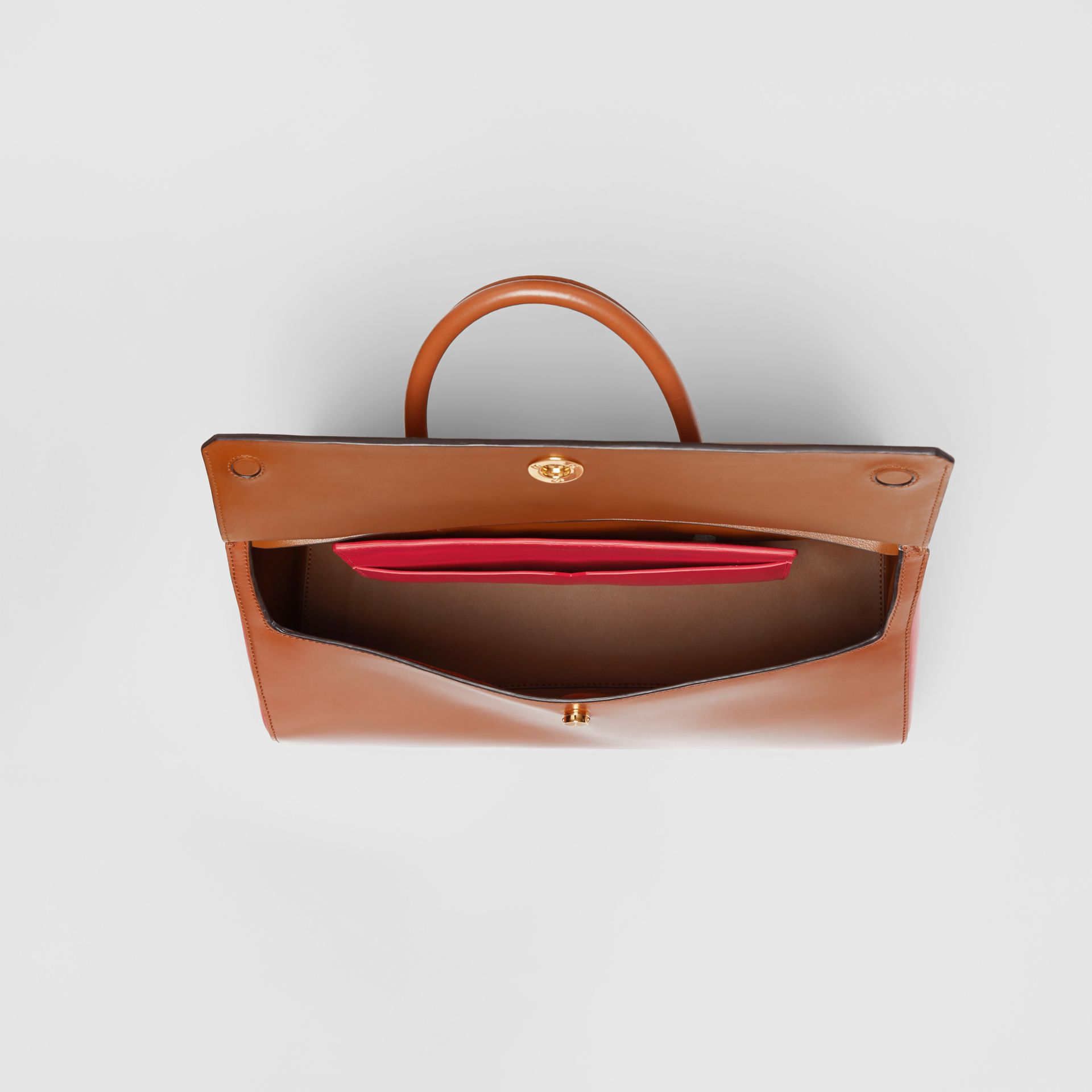 Medium Leather Elizabeth Bag in Malt Brown - Women | Burberry - gallery image 3