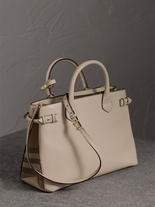 The Medium Banner in Leather and House Check in Limestone - Women | Burberry United Kingdom - cell image 3
