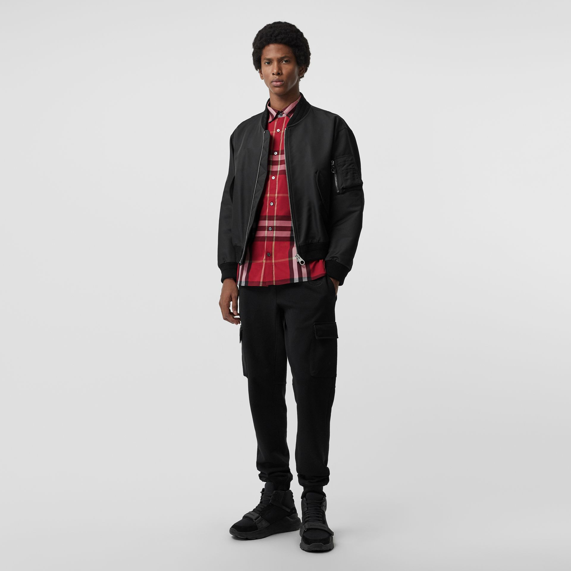 Chemise en coton extensible à motif check (Rouge Parade) - Homme | Burberry - photo de la galerie 4