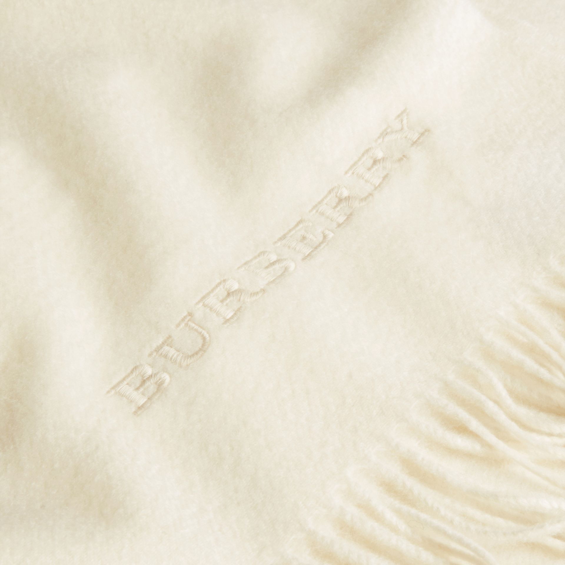 Natural white Cashmere Blanket Natural White - gallery image 2
