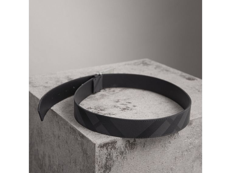 Plaque Buckle London Check  and Leather Belt in Charcoal/black - Men | Burberry Hong Kong - cell image 2