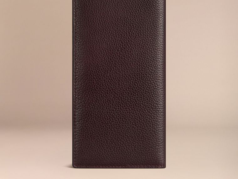 Grainy Leather Travel Card Case Ebony Red - cell image 2