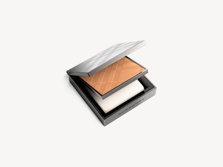 Компактная основа Fresh Glow Compact Foundation, Almond № 43 (№ 43)