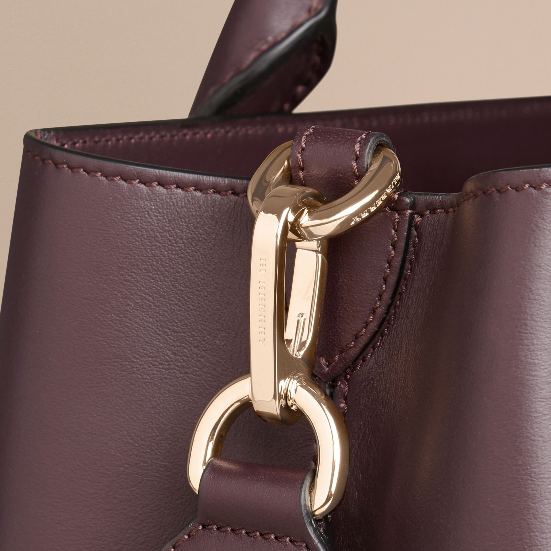 Dark amethyst The Medium Saddle Bag in Smooth Bonded Leather Dark Amethyst - gallery image 6