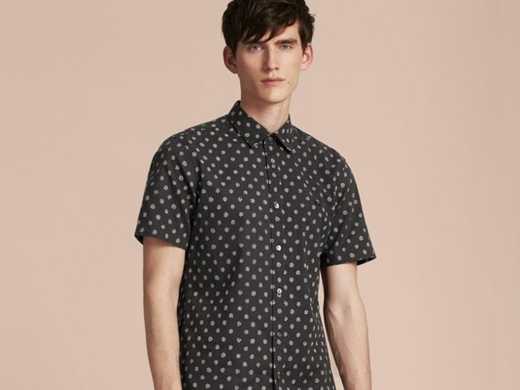 Noir Chemise en coton et lin à manches courtes avec imprimé - cell image 4