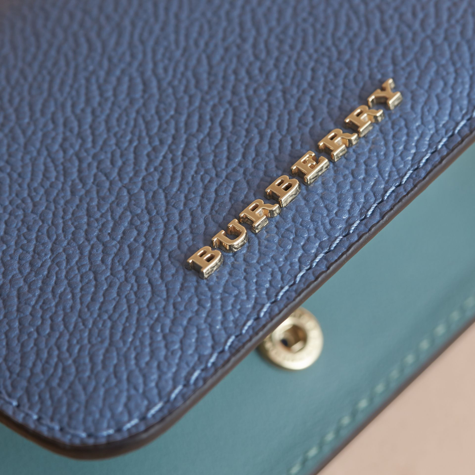 Leather and Haymarket Check ID Card Case Charm in Steel Blue/multi - Women | Burberry Hong Kong - gallery image 4