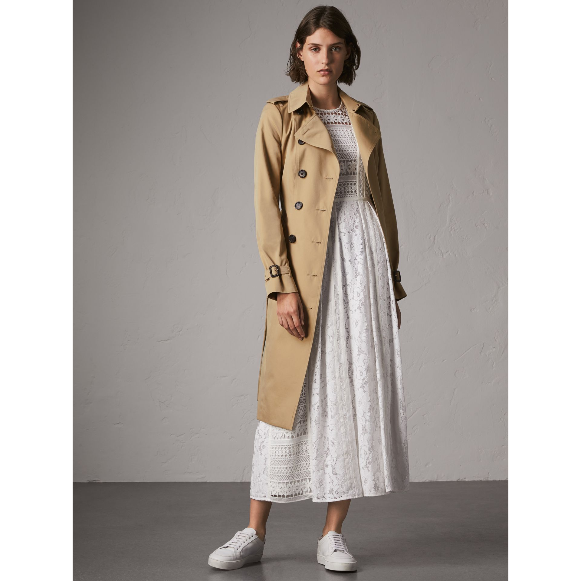 The Sandringham – Extra-long Trench Coat in Honey - Women | Burberry United Kingdom - gallery image 1