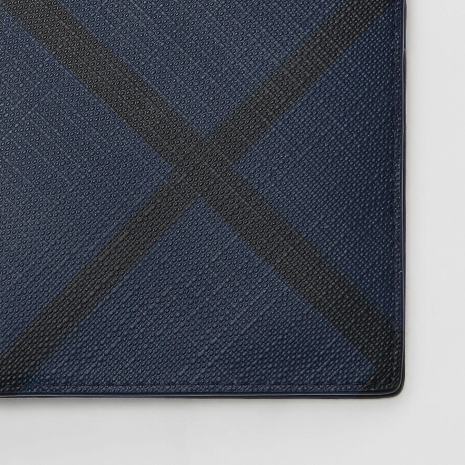London Check ID Wallet in Navy/black - Men | Burberry United Kingdom - gallery image 1