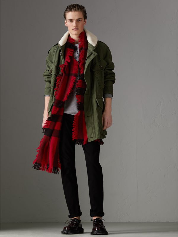 Fringed Check Wool Scarf in Military Red | Burberry - cell image 3