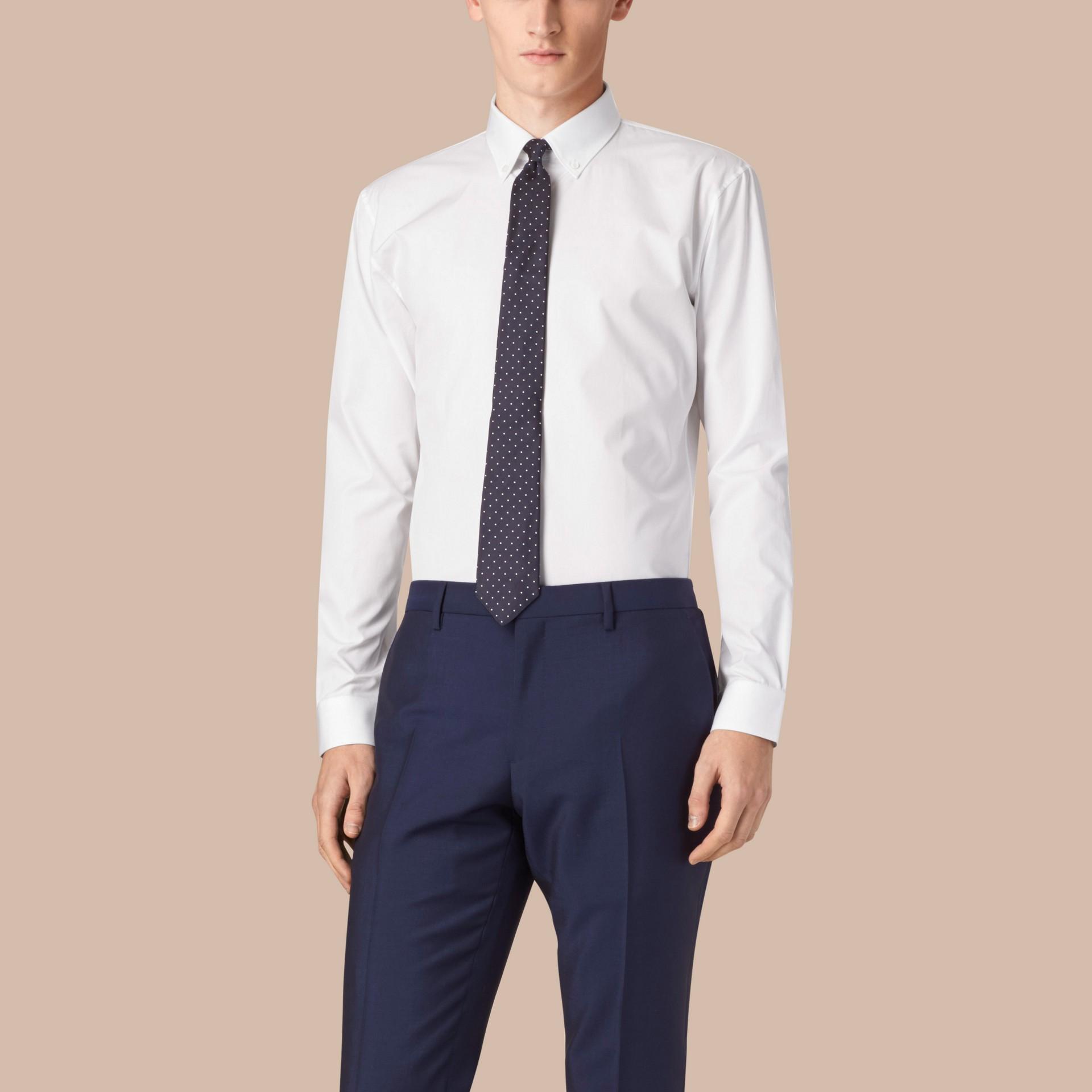 Bianco Camicia moderna in popeline di cotone con colletto button-down Bianco - immagine della galleria 4
