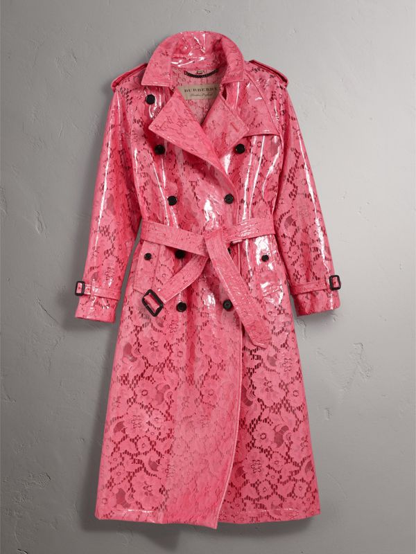 Trench coat in pizzo laminato (Rosa Intenso) - Donna | Burberry - cell image 2