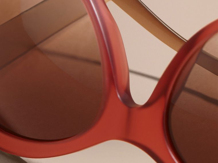 Red 3D Check Cat-eye Sunglasses Red - cell image 1