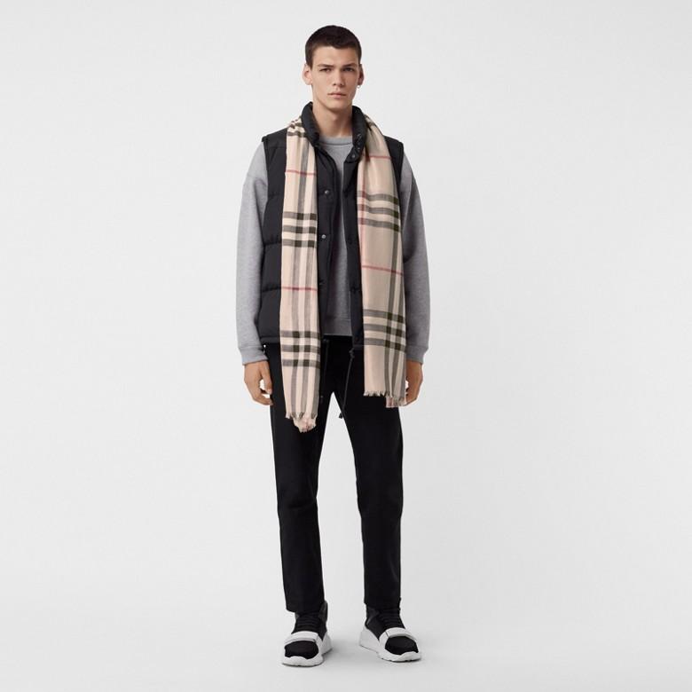 Burberry - Écharpe en laine et soie avec motif check métallisé - 4