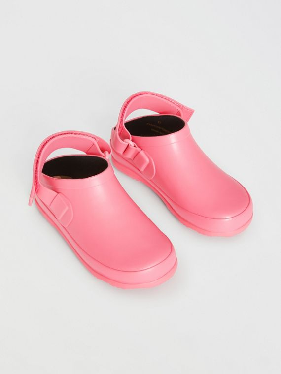 Check Detail Rubber Sandals in Bright Rose
