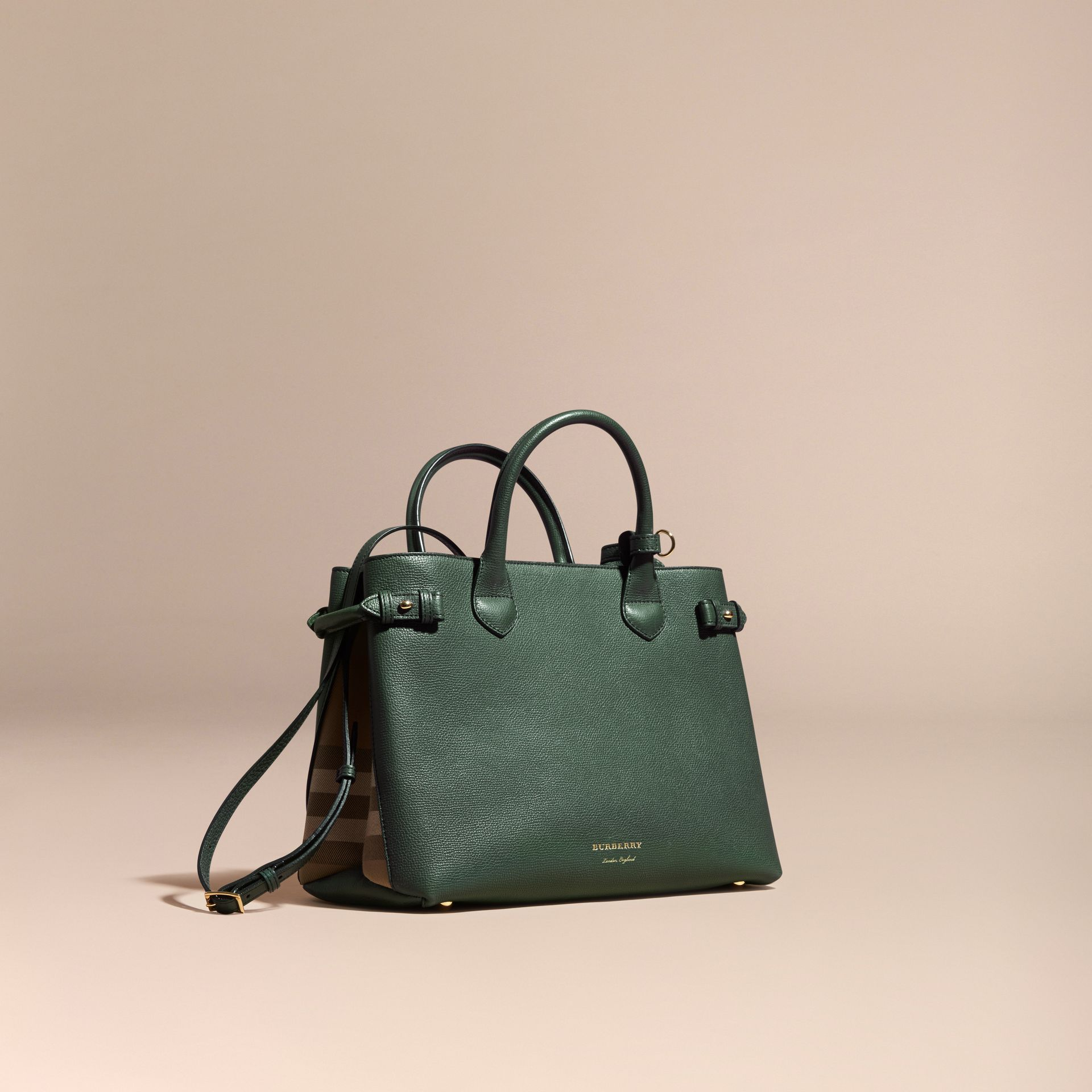 Sac The Banner medium en cuir et coton House check Vert Bouteille Sombre - photo de la galerie 1